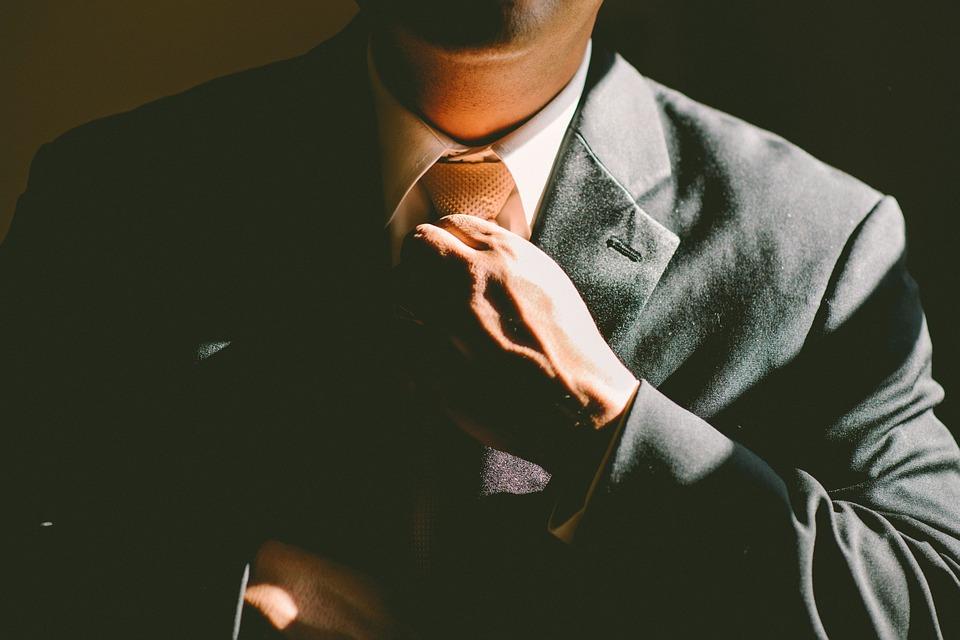 antreprenor sau angajat